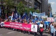 Obeležen 1. maj protestnom šetnjom Beogradom